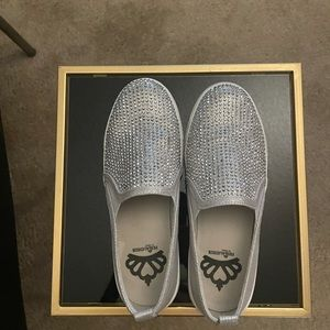 Fergie silver slip on shoes 🔥